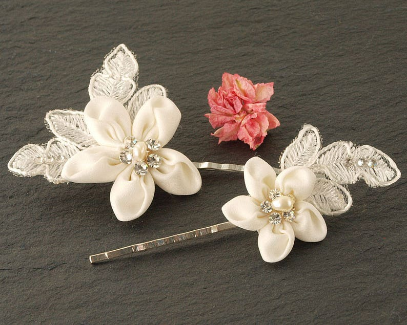 White Flower Wedding Hair Clips  Lace Flower Hair Clip  image 0