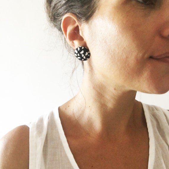 """Round fabric earrings, handmade textile earring, graphic """"Bubbles"""""""