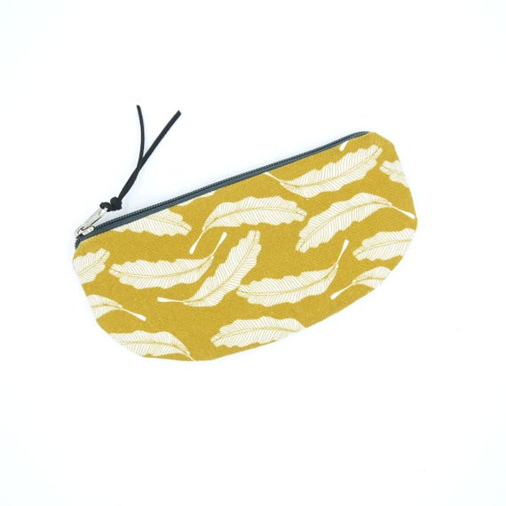 Yellow and white case, feather print