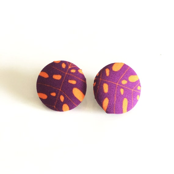 "Round fabric earrings, handmade textile earring, graphic ""Monstera"" violet and orange"