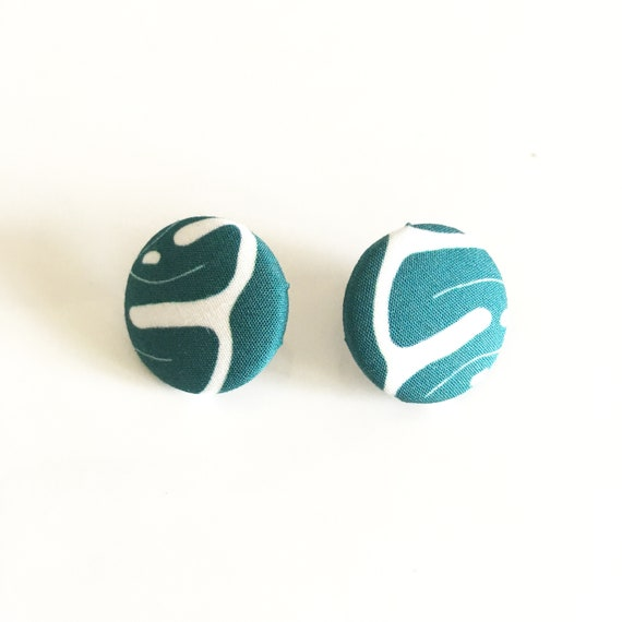 "Round fabric earrings, handmade textile earring, graphic ""Monstera"" green and mint"