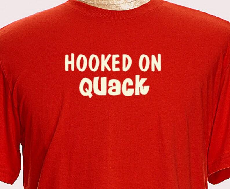Hooked On Quack Jagd Shirt Jagen Ente Manner T Shirts T Etsy