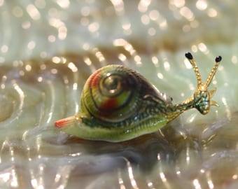 Vintage Little Enamel Snail Pin