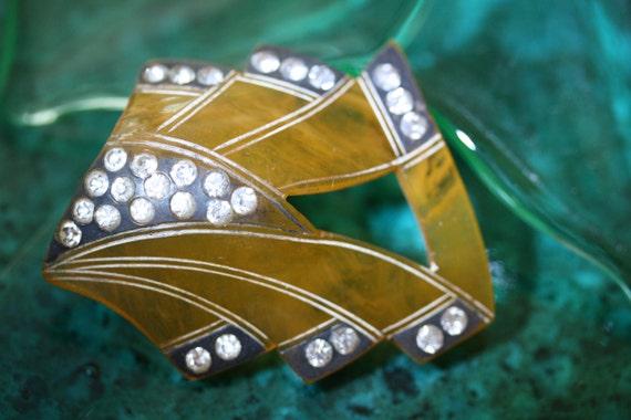 Vintage (Antique) Deco Celluloid Brooch