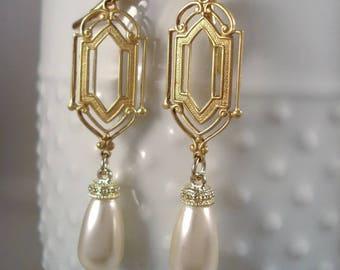 Wedding Pearl Earrings Art Deco Inspired Cream Pearl Earrings 1920's Inspired Earrings Swarovski Crystal Pearls