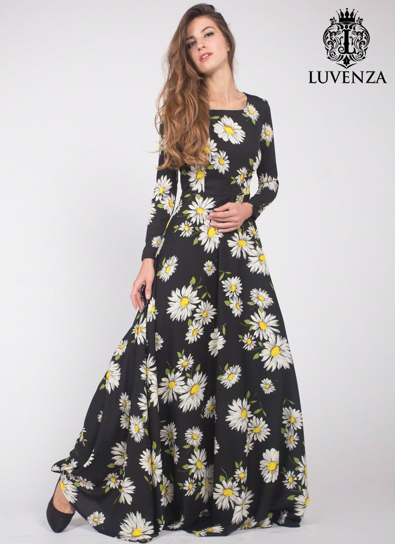 52479bbe4f4 Black Daisy Floral Maxi Dress with Long Sleeves Black Maxi