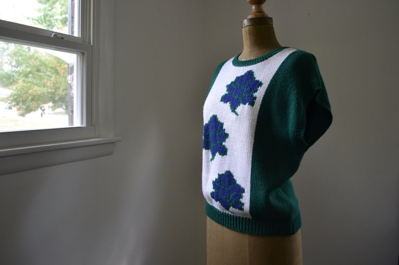 80s Green Sweater Vest Women's Medium Blue White with image 0