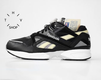 1e8ff0499049e NOS 90s Vintage Reebok Classic Pump Graphlite sneakers   Black White  Deadstock Kicks Trainers shoes   Athletic Sports deadstock DS OG   90s