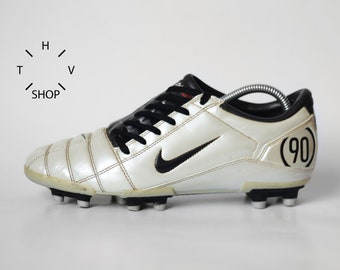 Vintage Nike Total 90 III FG soccer boots   Metallic White Dark Charcoal  cleats   Football Leather Cleats Boots   made in China 90s aa8d5dd616a