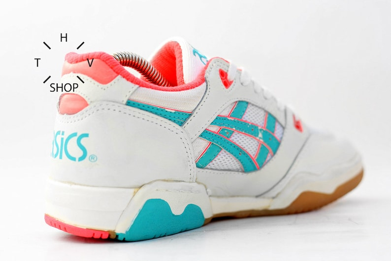 NOS 1991 Vintage Asics Gel Linebreaker sneakers Womens Handball deadstock kicks trainers Indoor Volley sports shoes made in Taiwan 90s