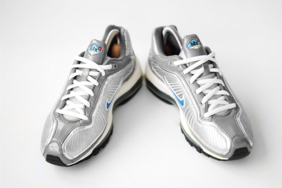 NOS vintage Nike Air Max Medallion GS sneakers Metallic silver Blue Deadstock kicks trainers Womens Kids Air Max 90 180 95 97 98 90s