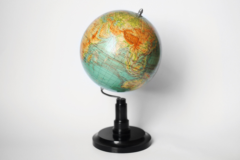 vintage terre petit globe terrestre g ographie enseignement etsy. Black Bedroom Furniture Sets. Home Design Ideas
