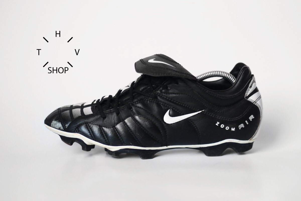 13fcefc0047be Vintage Nike Air Zoom Total 90 1 boots   OG original Football