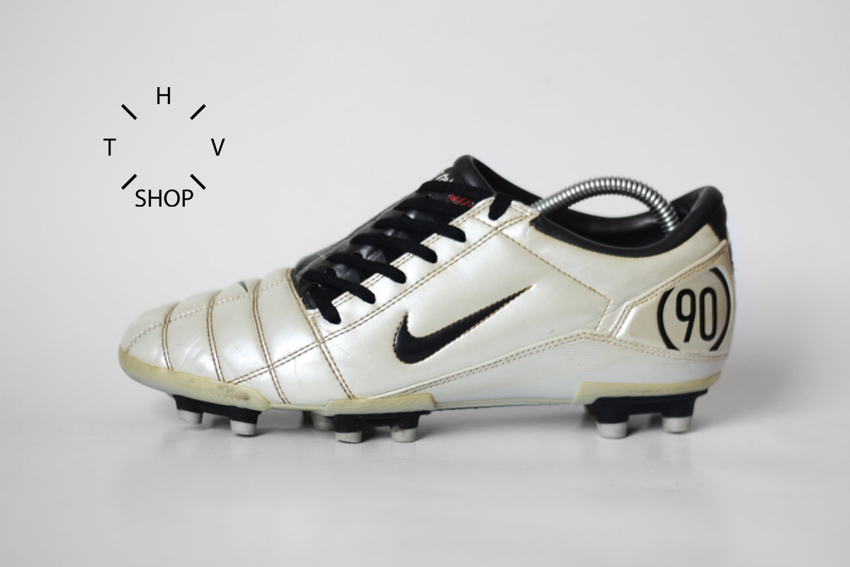 274dfcca7df82 Vintage Nike Total 90 III FG soccer boots / Metallic White Dark Charcoal  cleats / Football Leather Cleats Boots / made in China 90s