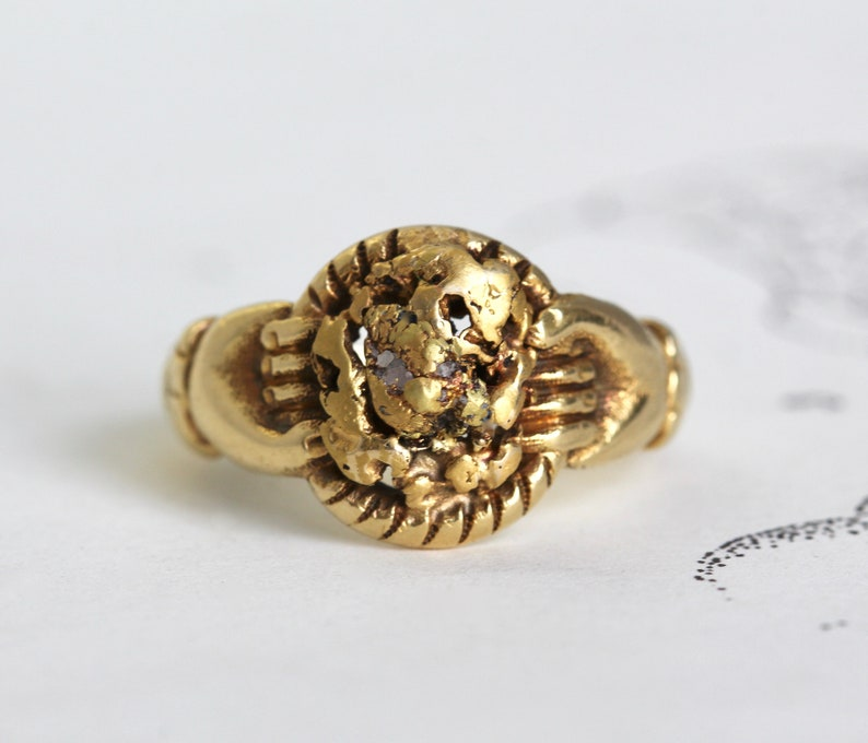 Antique Fede Gold Rush Souvenir Ring, 20k Yellow Gold Hands Pure Gold  Nugget & Gold in Quartz Specimen, Bohemian Friendship Statement Ring