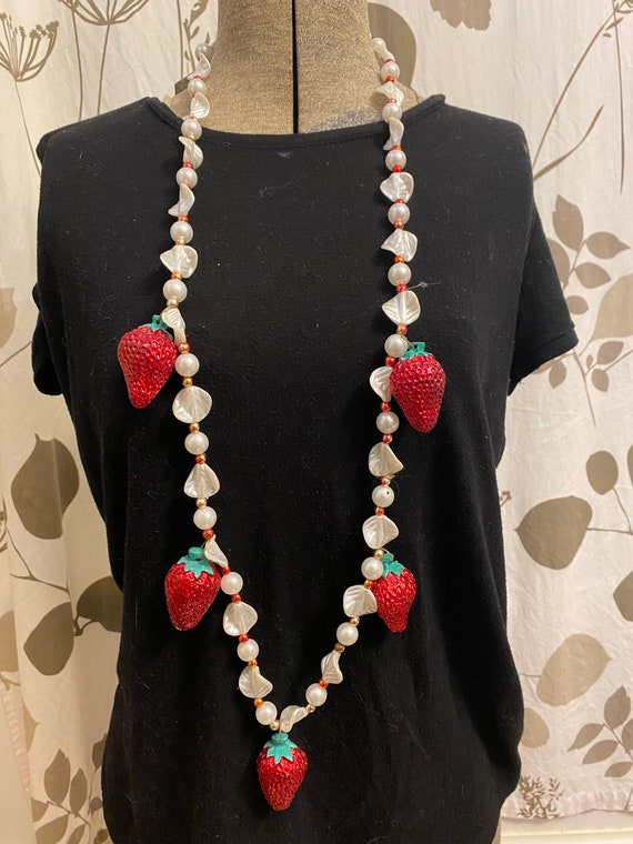 Vintage 1970s statement Strawberry necklace