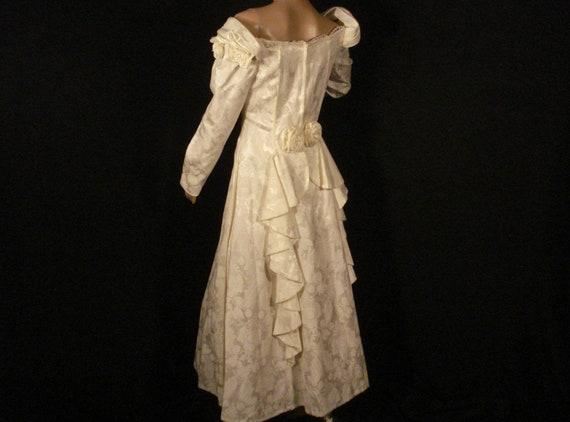 White Brocade Wedding Gown Jessica Mc Clintock ( G