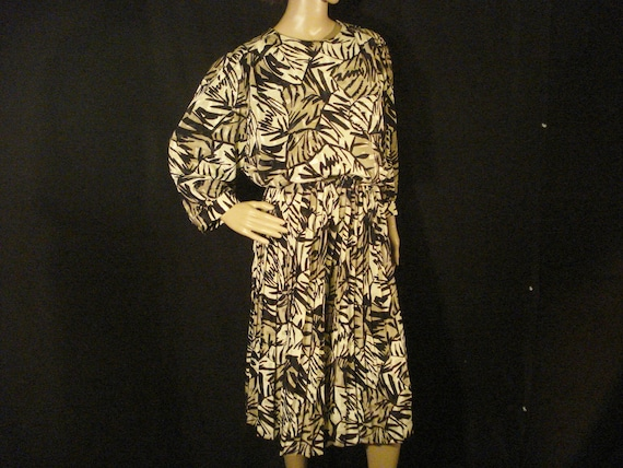 Linen Dress Abstract Alexis Fashions Vintage Belte