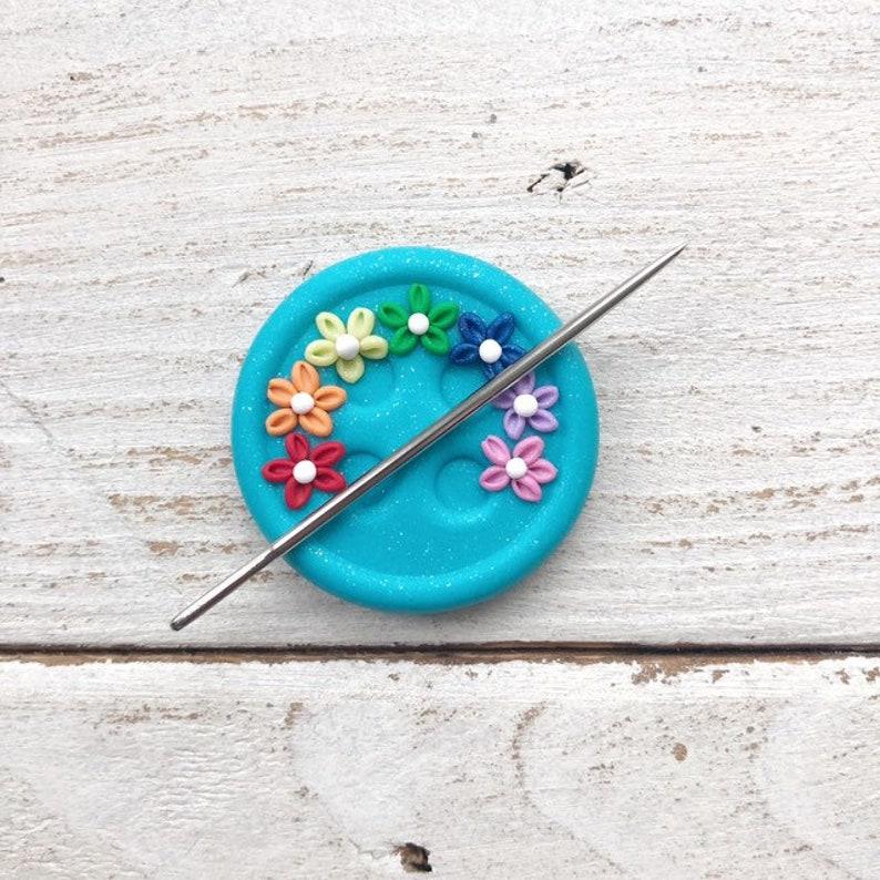 turquoise rainbow button magnetic needle minder image 0
