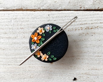 Halloween appliqué flower magnetic needle minder, needle holder, cross stitch gifts, gift for her, Halloween  accessories