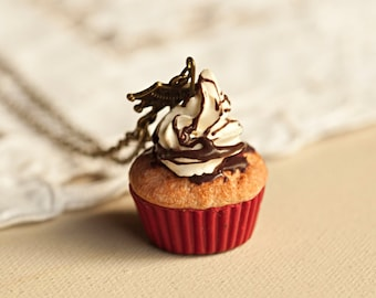 Vanilla and Chocolate Cupcake Necklace / food jewelry / fake food / miniature food /polymer clay / kawaii / scented jewelry / kawaii jewelry