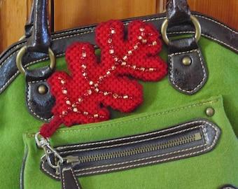 Autumn Red Oak Leaf Bag Clip, Oak Leaf Charm, Oak Leaf Art, Backpack Charm, Bag Clip, Leaf Clip Charm