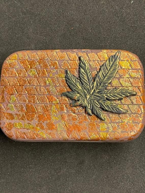 Polymer clay '5 leaf' tin box