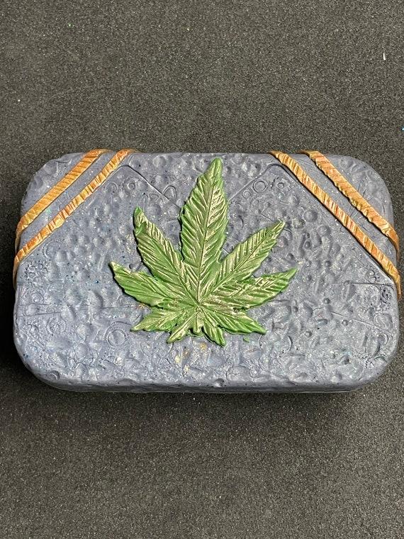 Polymer Clay '5 Leaf' Tin