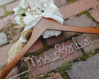 Wedding Hanger, Bride Hanger, Personalized Hanger, Wedding Dress Hanger, Custom Wire Hanger, Wooden Hanger, Mrs Name Hanger