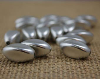 Matte Silver 20mm Oval Beads (14 Pieces)