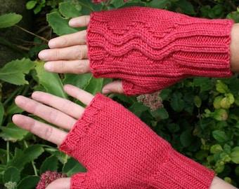 Merino wool fingerless gloves - zigzag pattern - choice of colour