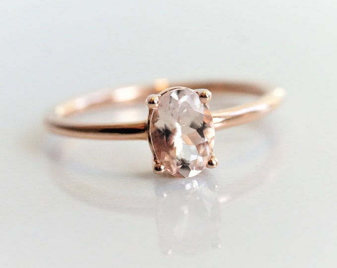 Eva - Peach Pink Morganite Oval 7 x 5 mm , Oval Solitaire Ring, Rose Gold Ring, 14K Gold, Morganite Engagement Ring