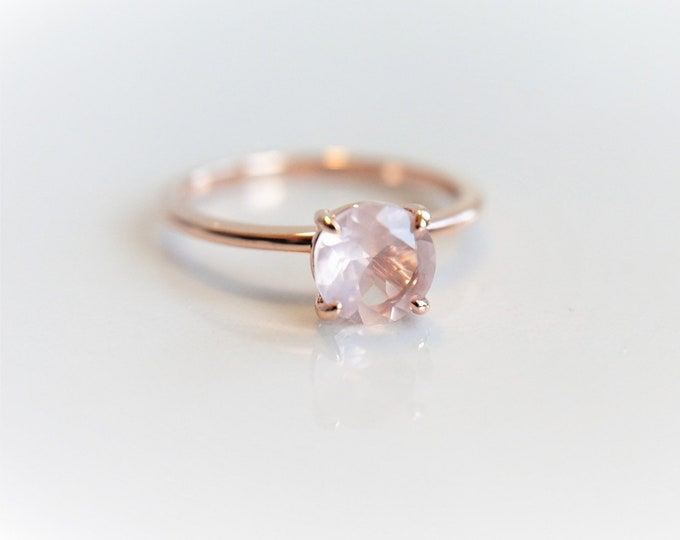 Rose Quartz Solitaire Round 7 mm, 1 carat Rose Quartz, 14k Rose Quartz Ring, Rose Quartz Engagement ring, Rose Quartz Rose Gold ring