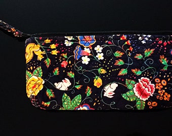 75fae577a0 Vintage Vera Bradley Tavern on the Green Indiana Make up Bag Black Floral  Squirrel Deer Pattern Vintage Quilted Vera Accessory Cosmetic Bag
