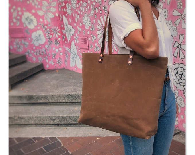 Mabel - Large over the shoulder waxed canvas bag