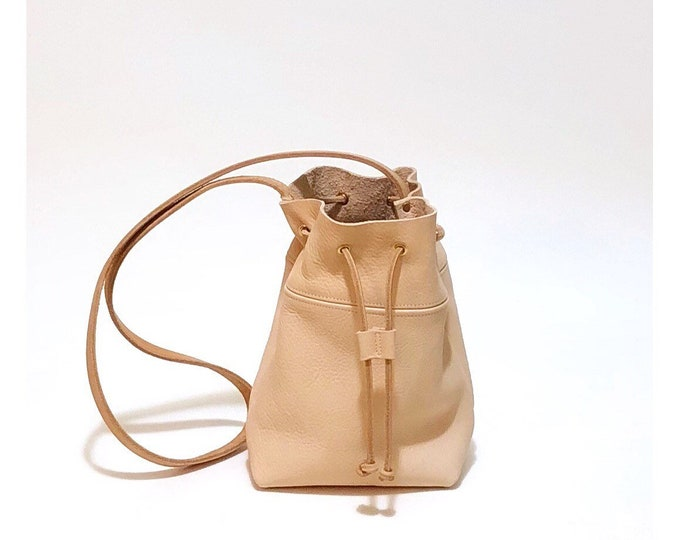Lola Cross body