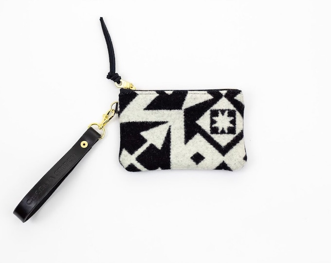PNW Minimalist Day Clutch - Condensed Black