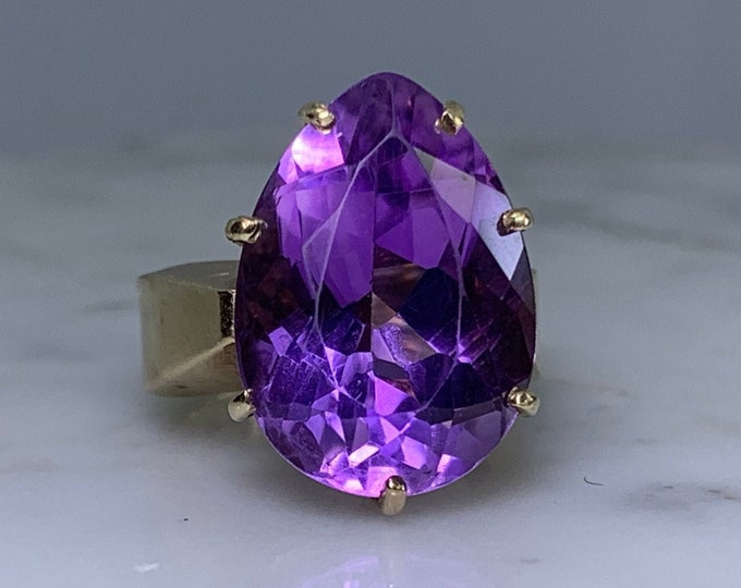 Vintage Amethyst Ring in a 10K Yellow Gold Solitaire Setting. Large Statement Ring. February Birthstone. 6th Anniversary.