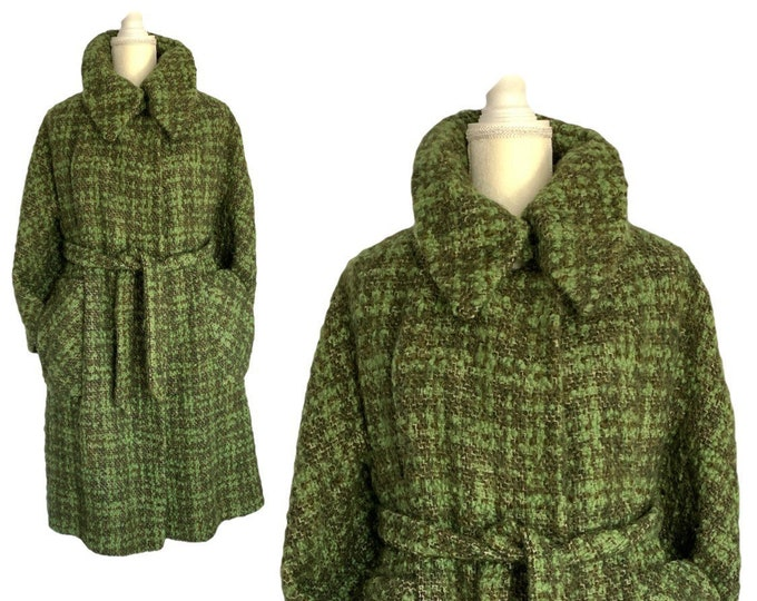Vintage Green Tweed Wool Swing Coat. Heavy Winter Overcoats are a huge Fall / Winter Fashion Trend.