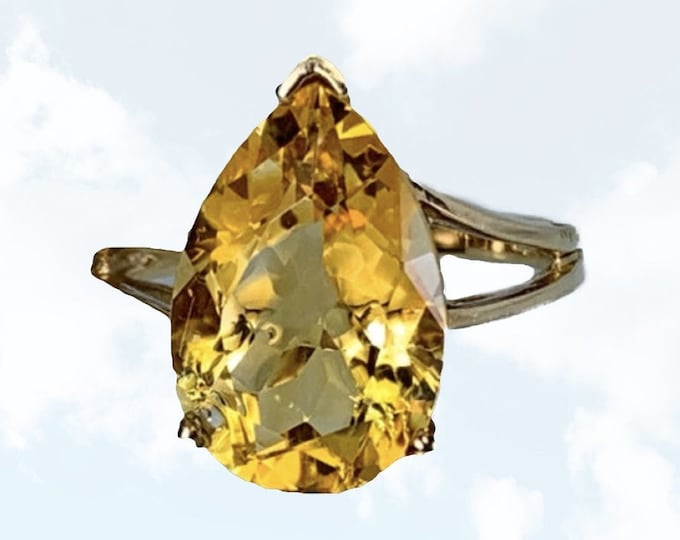 1970s Citrine Statement Ring in 10K Yellow Gold Setting. Estate Fine Jewelry. November Birthstone. Sustainable Vintage.