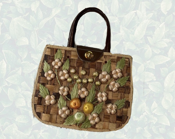 1960s Straw Purse with Green Floral Pattern and Leather Handle. Perfect Wicker Summer Market or Beach Bag.