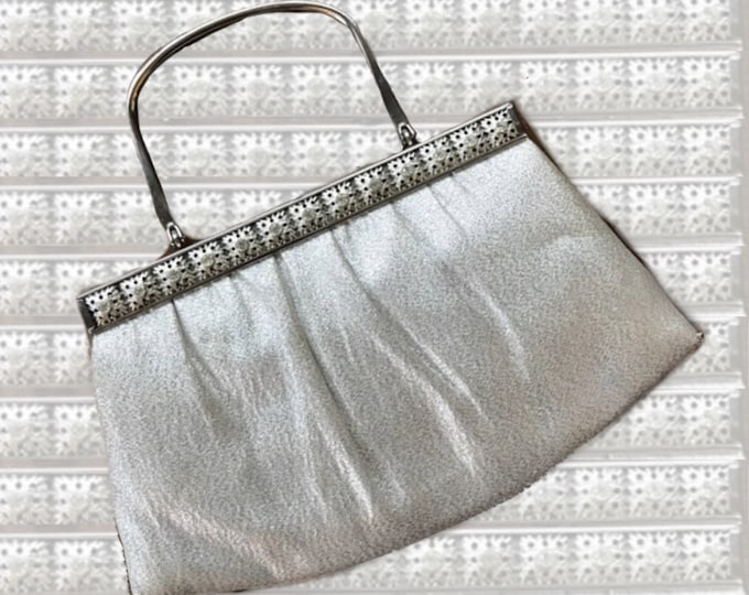 Vintage Silver Metallic Lame Clutch. Perfect Evening Bag for a Bride or a Special Night Out. 1960s Sustainable Fashion Accessory.