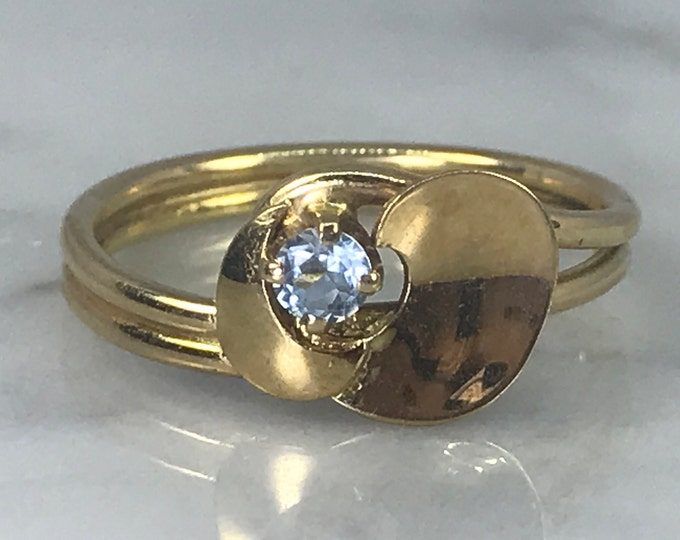 Vintage Aquamarine Ring. 14k Yellow Gold Setting. Unique Engagement Ring. March Birthstone. 19th Anniversary. Estate Jewelry. Promise Ring.