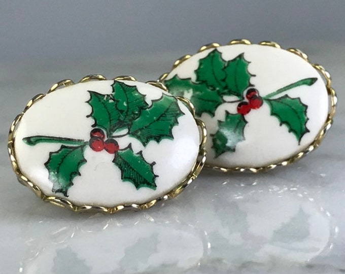 Vintage Holly Holiday Earrings Ceramic Clip on Earrings with Hand Painted Holly. Christmas Earrings.