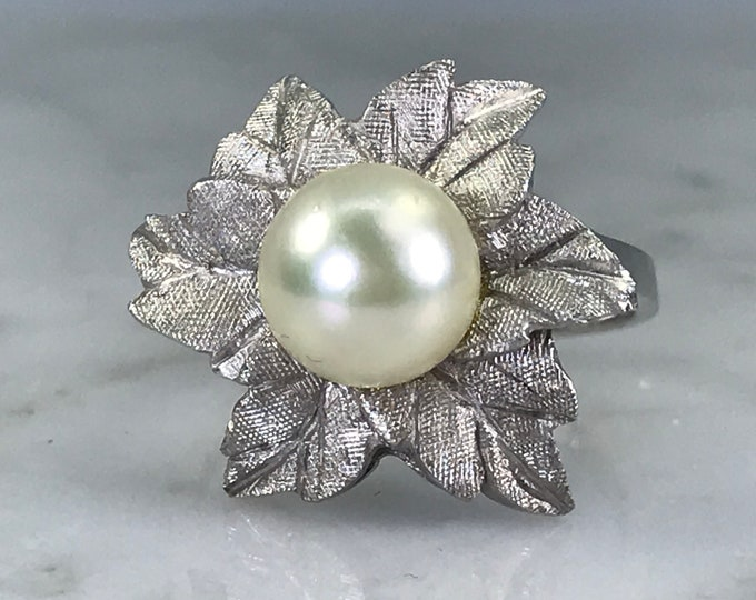 Vintage Pearl Ring. Art Nouveau.  Flower Ring. 14K White Gold. June Birthstone. 4th Anniversary. Unique Engagement Ring. Estate Jewelry