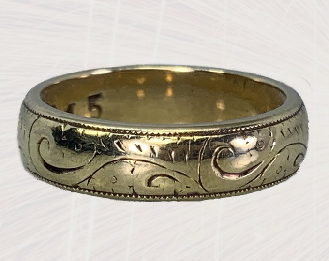 1970s Etched Gold Wedding Band or Stacking Ring in Yellow Gold. Estate Jewelry. Sustainable...Affordable...Vintage.