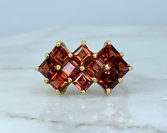 Vintage Garnet Cluster Ring. 10k Yellow Gold. Unique Engagement Ring. Statement Ring. January Birthstone. 2 Year Anniversary. Estate Jewelry