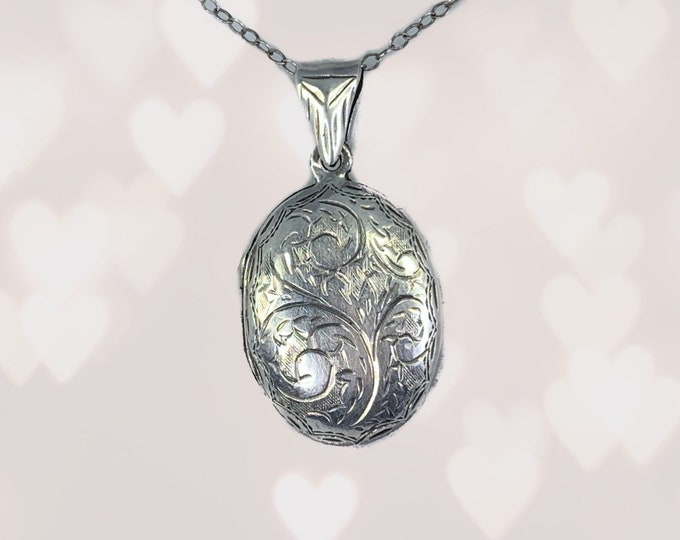 Vintage Sterling Silver Photo Locket. Brides Gift with Secret Message. Floral Etched Pendant. Wedding Jewelry. 1970s Estate Jewelry.