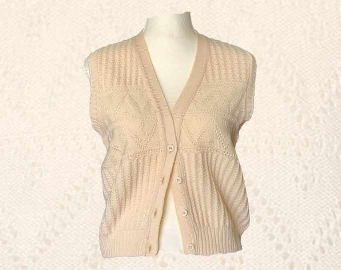 1970s Cream Wool Sweater Vest by Pendleton. Perfect for the Equestrian Chic Fall Trend. Sustainable Fashion Clothing.