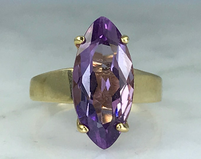Amethyst Solitaire Ring. 14K Yellow Gold. Unique Engagement Ring. February Birthstone. 6th Anniversary. Estate Fine Jewelry. Purple Ring.